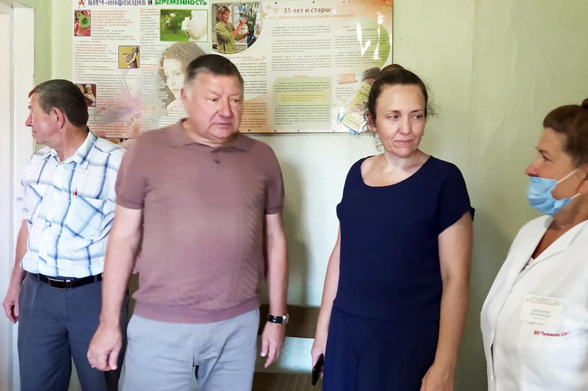 Спикер облдумы Александр Романов продолжает встречаться с жителями Петровского района